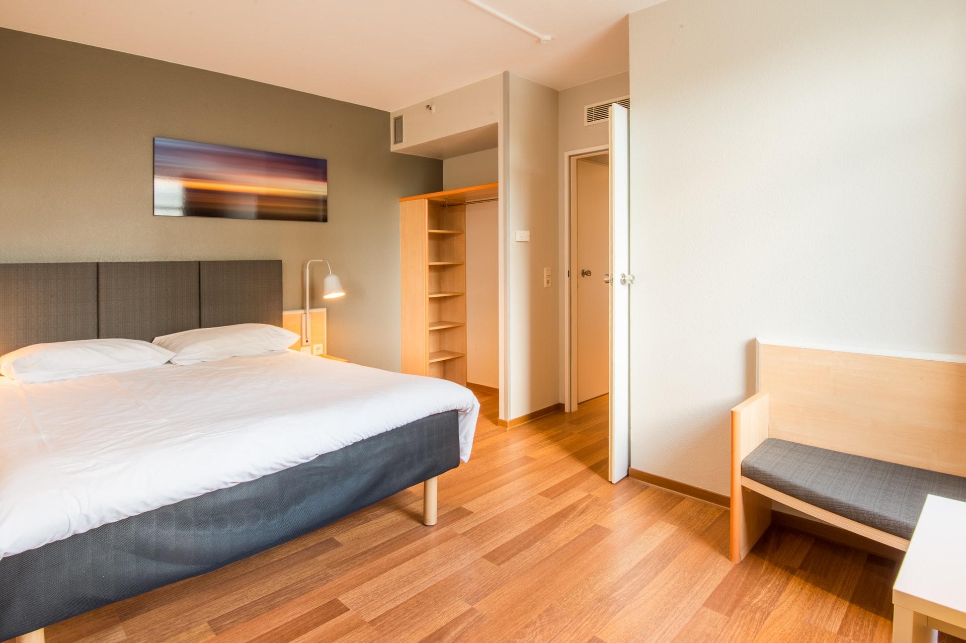 Dlaczego warto wdrożyć system kontroli dostępu w hotelu?